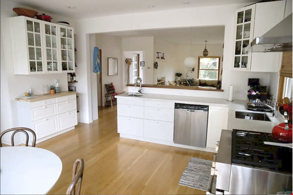 Charming Home in the heart of Echo Park Home Rental in Los Angeles 3 - thumbnail