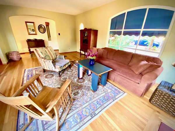 charming home with great sunset views Home Rental in El Cerrito 8 - thumbnail