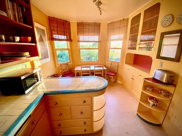 charming home with great sunset views Home Rental in El Cerrito 7 - thumbnail