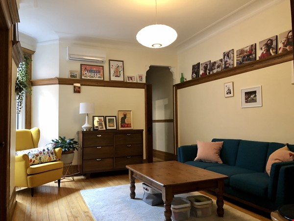 Furnished 2 BR Apartment for rent in Outremont - near Mile-End! Home Rental in Montréal 2 - thumbnail