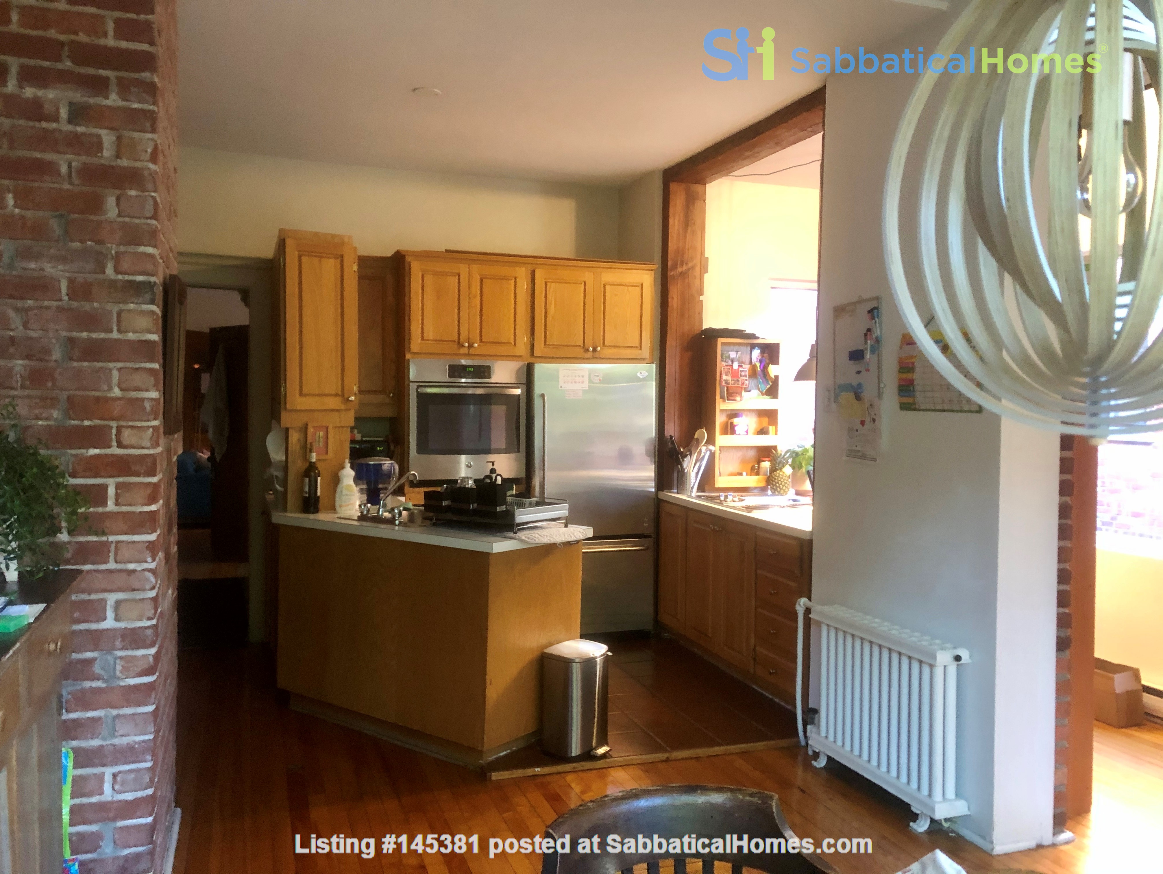 Furnished 2 BR Apartment for rent in Outremont - near Mile-End! Home Rental in Montréal, Québec, Canada 9