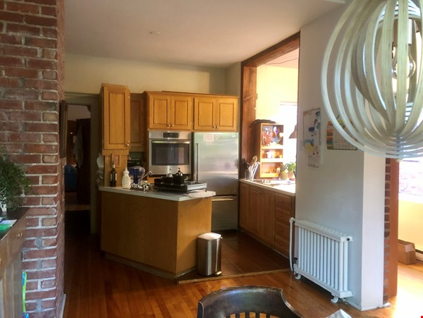 Furnished 2 BR Apartment for rent in Outremont - near Mile-End! Home Rental in Montréal 9 - thumbnail