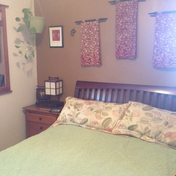 Well-kept house, large yard, pet friendly, walk to CU campus, trails. Home Rental in Boulder 4 - thumbnail