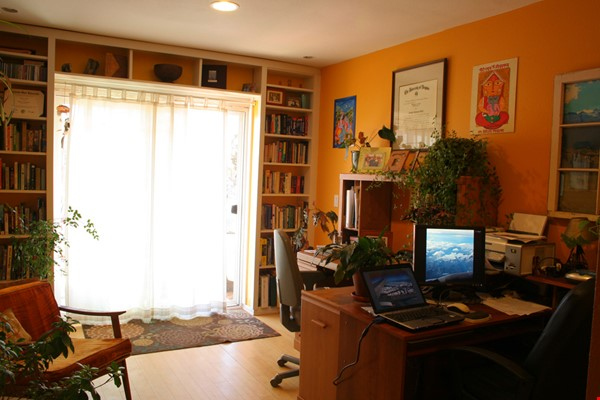 Well-kept house, large yard, pet friendly, walk to CU campus, trails. Home Rental in Boulder 5 - thumbnail
