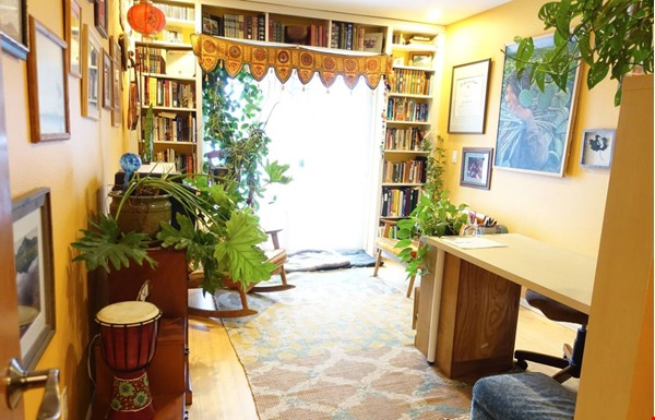 Well-kept house, large yard, pet friendly, walk to CU campus, trails. Home Rental in Boulder 2 - thumbnail
