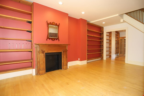 Large House Well-Situated Downtown for Study, Work and Family Adventures Home Rental in Toronto 2 - thumbnail