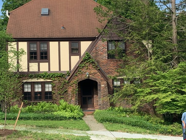 Beautiful furnished home for rent; short walk to Syracuse University Home Rental in Syracuse 0 - thumbnail