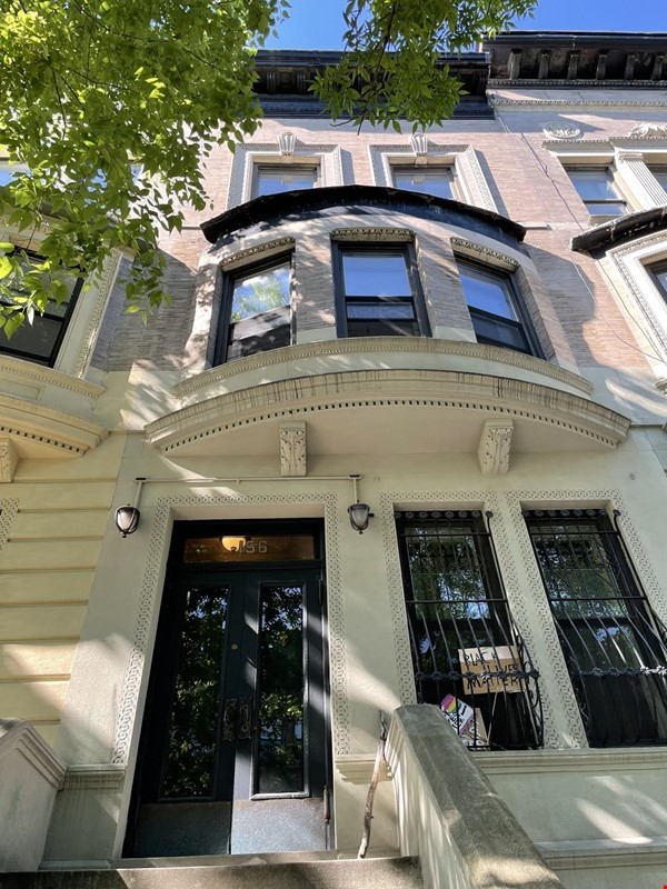 Harlem Townhouse in the heart of the Mount Morris Historic District Home Rental in New York 0 - thumbnail