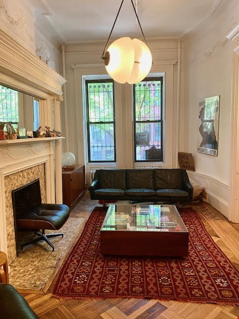 Harlem Townhouse in the heart of the Mount Morris Historic District Home Rental in New York 2 - thumbnail