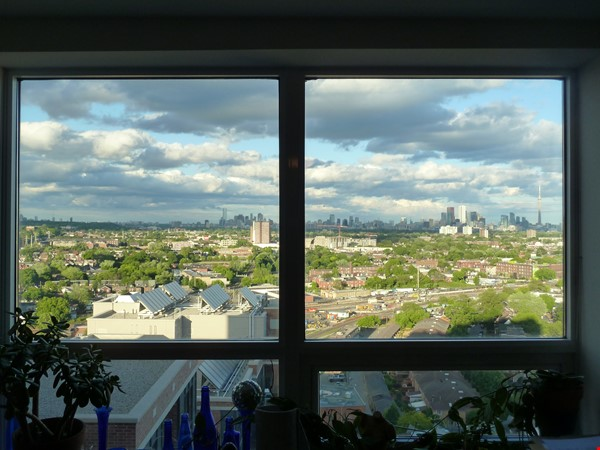Quiet Condo with great views. Toronto's coolest neighbourhood: The Junction Home Rental in Toronto 0 - thumbnail
