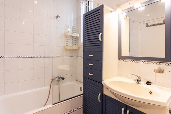 Modernist apartment for professionals or small families by Sagrada Familia Home Rental in Barcelona 8 - thumbnail