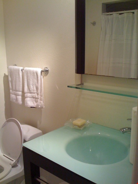 Sarasota 2-bedroom furnished apartment Home Rental in Sarasota 4 - thumbnail
