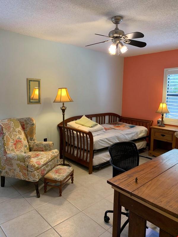 Sarasota 2-bedroom furnished apartment Home Rental in Sarasota 2 - thumbnail