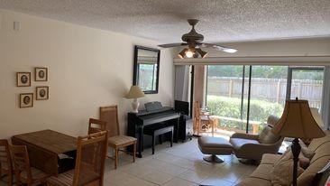 Sarasota 2-bedroom furnished apartment Home Rental in Sarasota 0 - thumbnail