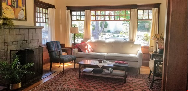 Gorgeous craftsman house with a backyard in north berkeley Home Rental in Berkeley 1 - thumbnail