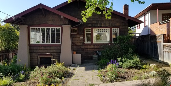 Gorgeous craftsman house with a backyard in north berkeley Home Rental in Berkeley 0 - thumbnail