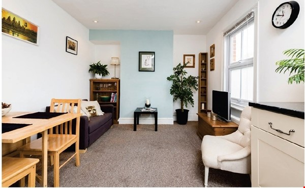 A spacious first floor 2 bedroom apartment (approximately 60 sqm/640 Home Rental in  1 - thumbnail