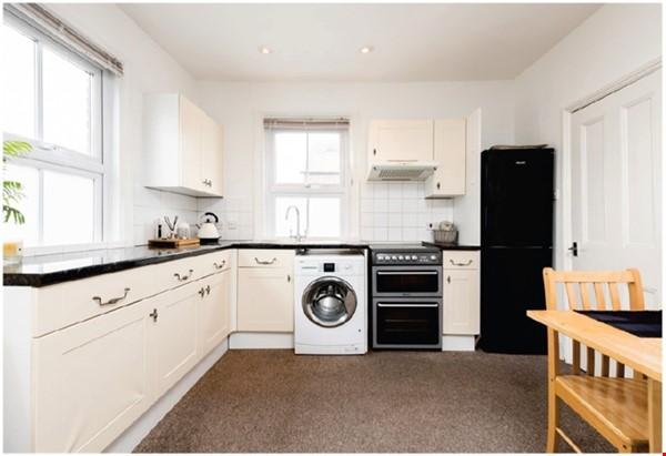 A spacious first floor 2 bedroom apartment (approximately 60 sqm/640 Home Rental in  2 - thumbnail