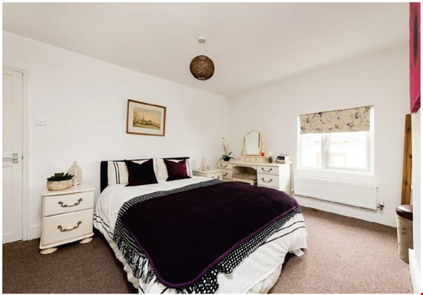 A spacious first floor 2 bedroom apartment (approximately 60 sqm/640 Home Rental in  0 - thumbnail