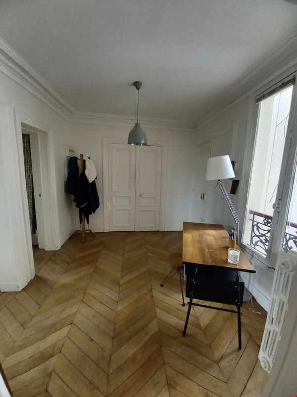 Spacious and Sunny 2BR  Apartment in the Heart of Paris Home Rental in Paris 4 - thumbnail