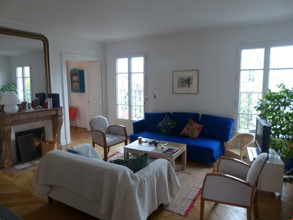 Spacious and Sunny 2BR  Apartment in the Heart of Paris Home Rental in Paris 6 - thumbnail