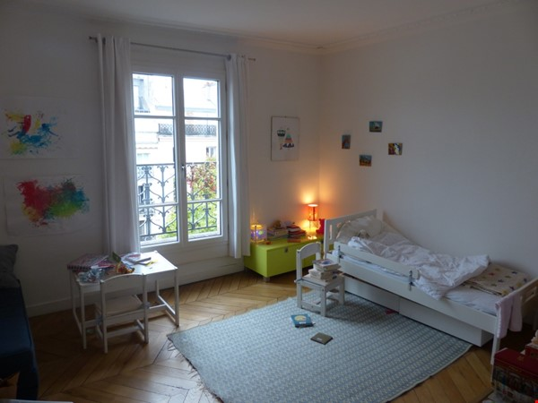 Spacious and Sunny 2BR  Apartment in the Heart of Paris Home Rental in Paris 3 - thumbnail