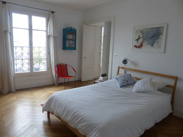 Spacious and Sunny 2BR  Apartment in the Heart of Paris Home Rental in Paris 0 - thumbnail