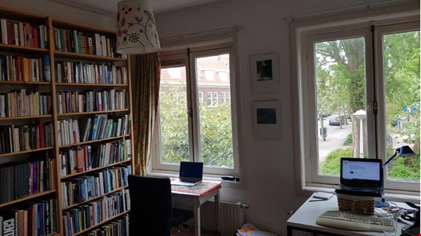 Beautiful, spacious house in quiet, green neighborhood close to citycenter Home Rental in Amsterdam 2 - thumbnail