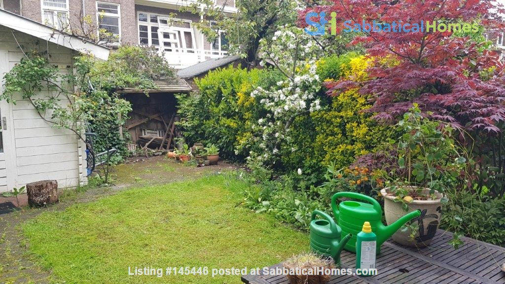 Beautiful, spacious house in quiet, green neighborhood close to citycenter Home Rental in Amsterdam, Noord-Holland, Netherlands 3