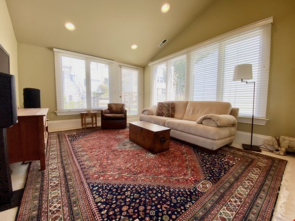 Beautifully restored, light filled Victorian in terrific neighborhood Home Rental in SF 4 - thumbnail