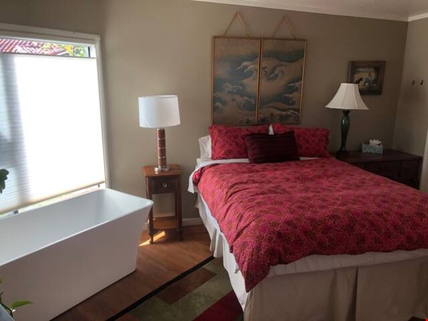 Inspiring Bay Area View Artists House for summer sublet! Home Rental in Richmond 4 - thumbnail