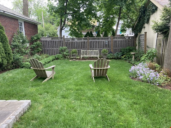 Charming 8 room Georgian-style house with garden 35 min from midtown NYC Home Rental in New Rochelle 9 - thumbnail