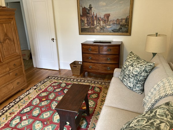 Charming 8 room Georgian-style house with garden 35 min from midtown NYC Home Rental in New Rochelle 7 - thumbnail
