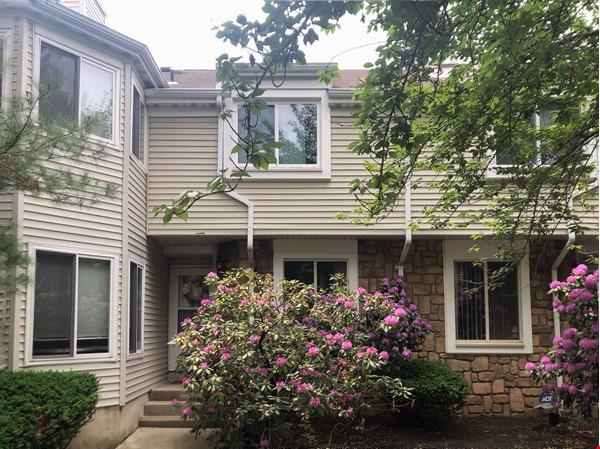 Condo in Bucolic Setting Near Rutgers, Princeton, Rider, TCNJ, Pharma, Tech Home Rental in North Brunswick Township 0 - thumbnail