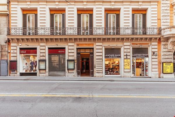 MINIMAL TRITONE APARTMENT - AC - Wifi Home Rental in Roma 9 - thumbnail