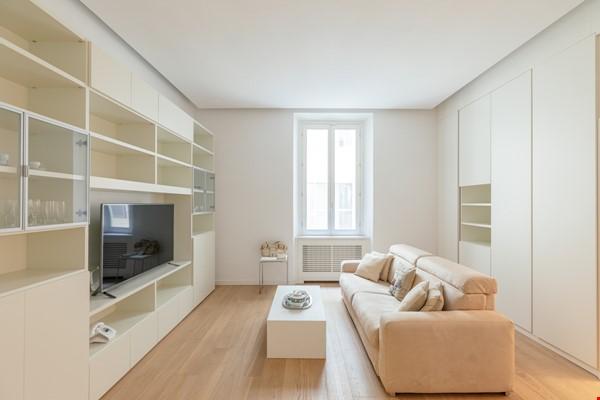 MINIMAL TRITONE APARTMENT - AC - Wifi Home Rental in Roma 1 - thumbnail