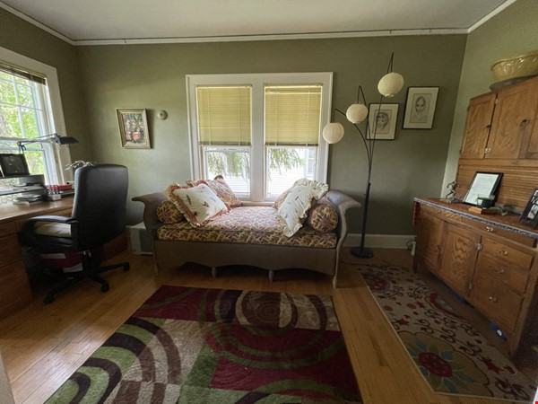 Walking distance to University, Medical Center, downtown shopping/dining Home Rental in Ann Arbor 4 - thumbnail
