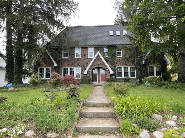 Walking distance to University, Medical Center, downtown shopping/dining Home Rental in Ann Arbor 0 - thumbnail