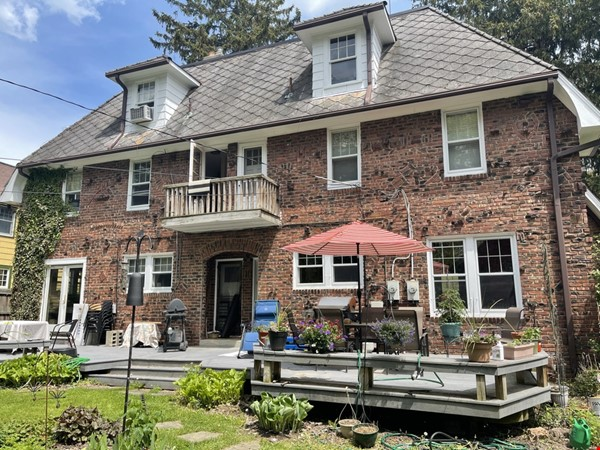 Walking distance to University, Medical Center, downtown shopping/dining Home Rental in Ann Arbor 1 - thumbnail