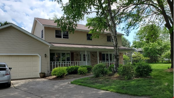 4 BR fully furnished home near University of Wisconsin-Madison Home Rental in Madison 0 - thumbnail