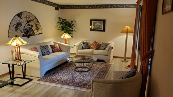 4 BR fully furnished home near University of Wisconsin-Madison Home Rental in Madison 1 - thumbnail