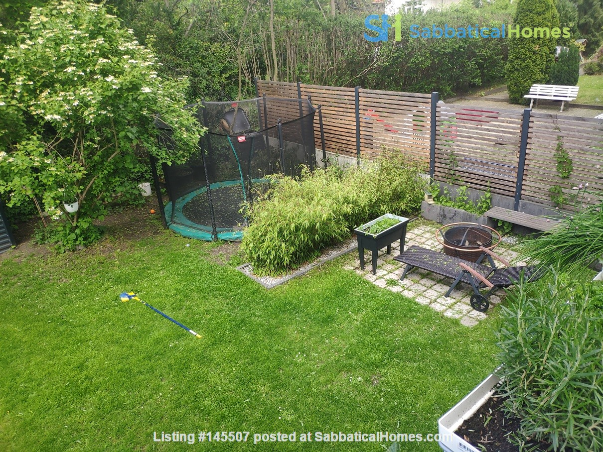 Furnished sublet: Spacious house w/ garden in the south-west of Berlin Home Rental in Berlin, Berlin, Germany 0