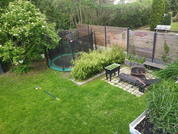 Furnished sublet: Spacious house w/ garden in the south-west of Berlin Home Rental in Berlin 0 - thumbnail