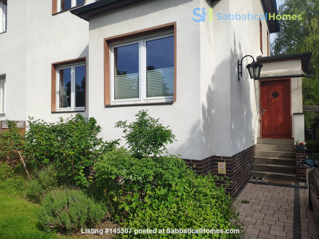 Furnished sublet: Spacious house w/ garden in the south-west of Berlin Home Rental in Berlin, Berlin, Germany 9