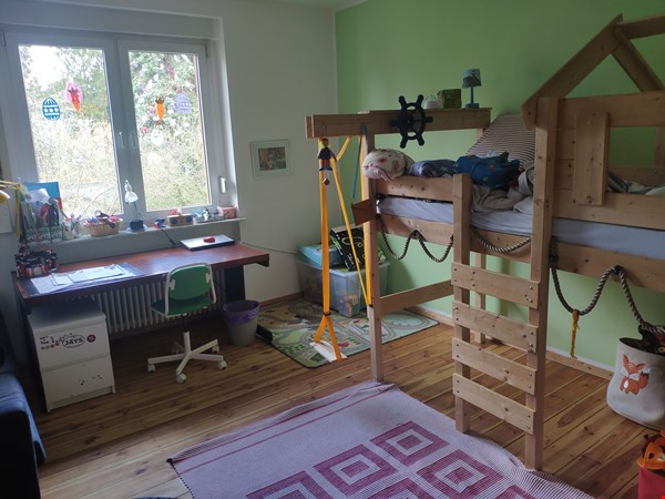 Furnished sublet: Spacious house w/ garden in the south-west of Berlin Home Rental in Berlin 8 - thumbnail