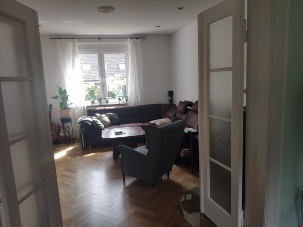 Furnished sublet: Spacious house w/ garden in the south-west of Berlin Home Rental in Berlin 1 - thumbnail