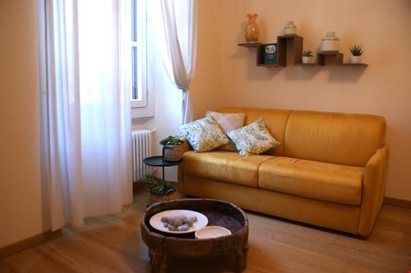 Lovely one bedroom flat in Porta Romana Milano Home Rental in Milano 2 - thumbnail