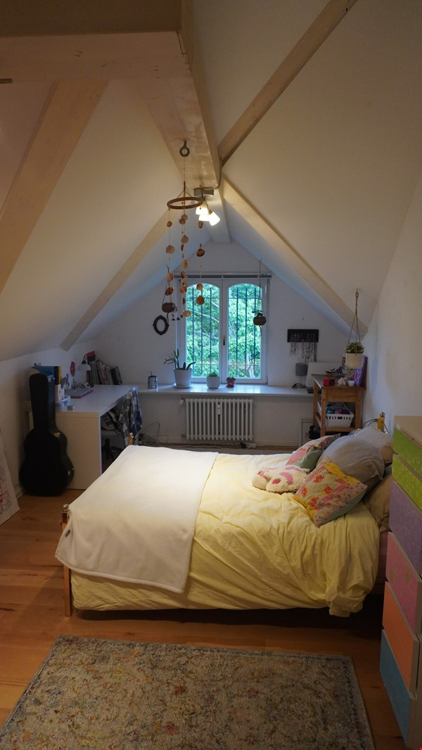 City villa with a large garden and courtyard in Berlin-Wilmersdorf Home Rental in Berlin 3 - thumbnail