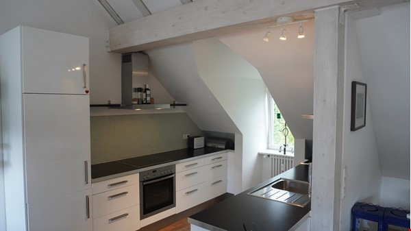 City villa with a large garden and courtyard in Berlin-Wilmersdorf Home Rental in Berlin 1 - thumbnail