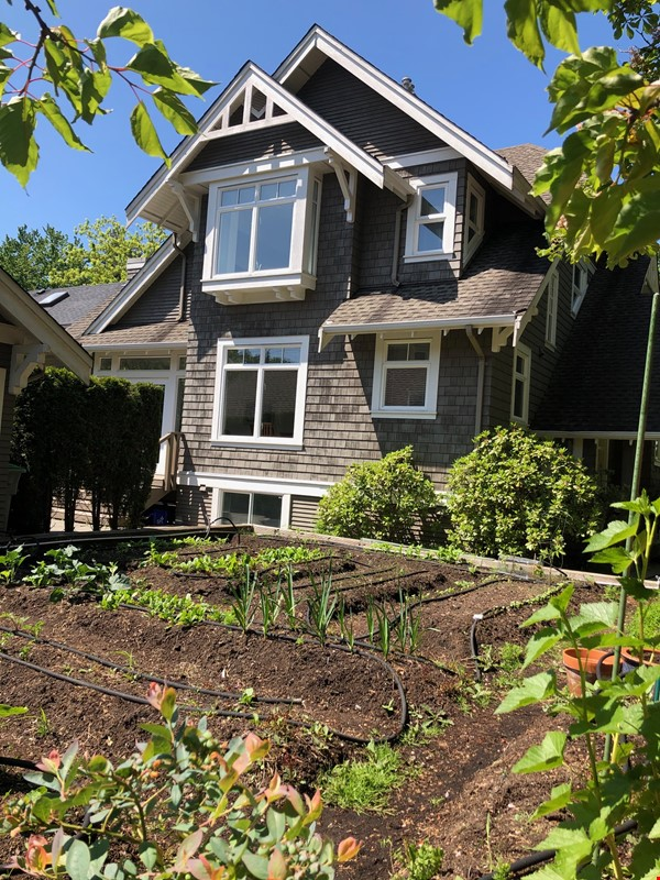 Townhouse in Kitsilano, Vancouver BC Home Rental in Vancouver 0 - thumbnail